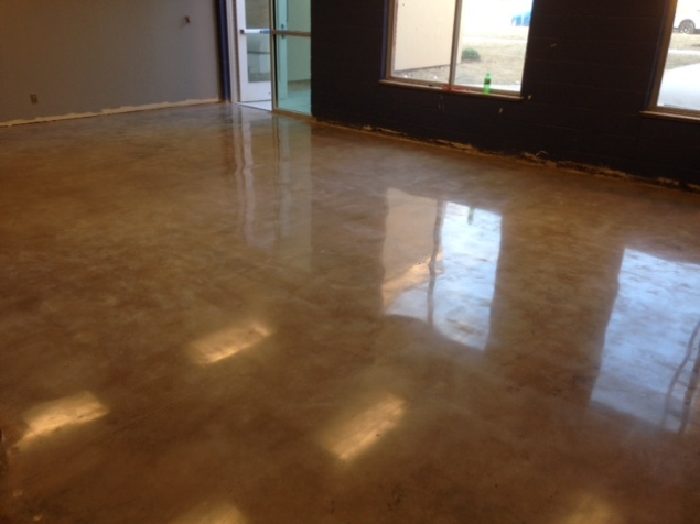 dinig area polished with the natural aged color